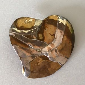 Large Silver/Gold Tone Vintage Heart Brooch